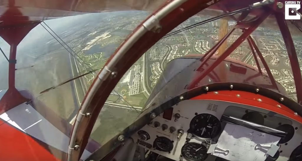 飛行中にエンジン停止!「もうダメだ」と思ったその時、地面スレスレで奇跡が起こる!