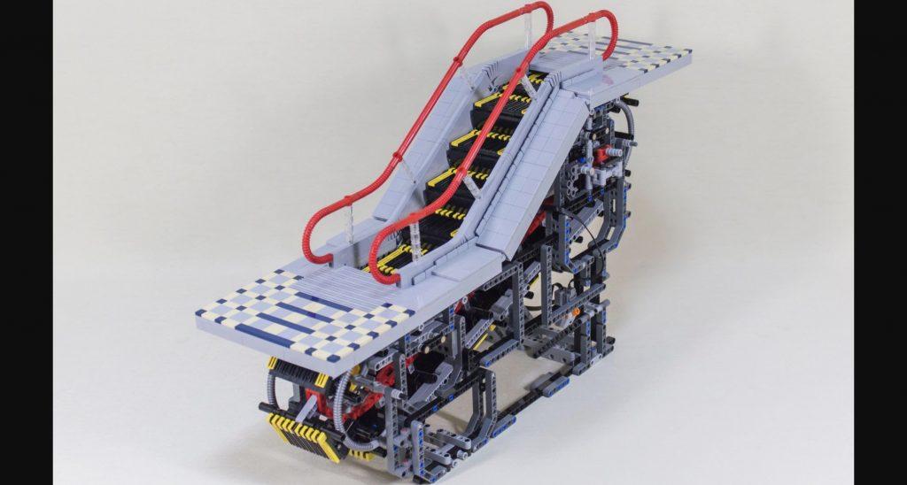 日本人がレゴで作った稼働するエスカレーターが凄いと海外でも話題に!内部構造がよく分かる!