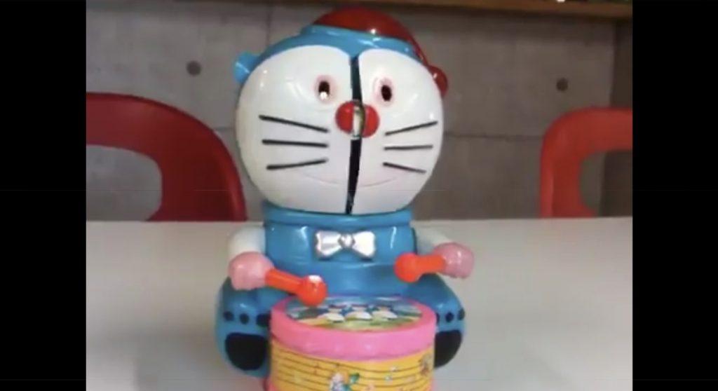 「寄生獣。。」中国の偽ドラえもんのおもちゃがトラウマになると話題に!顔面が割れて出てきたものに鳥肌
