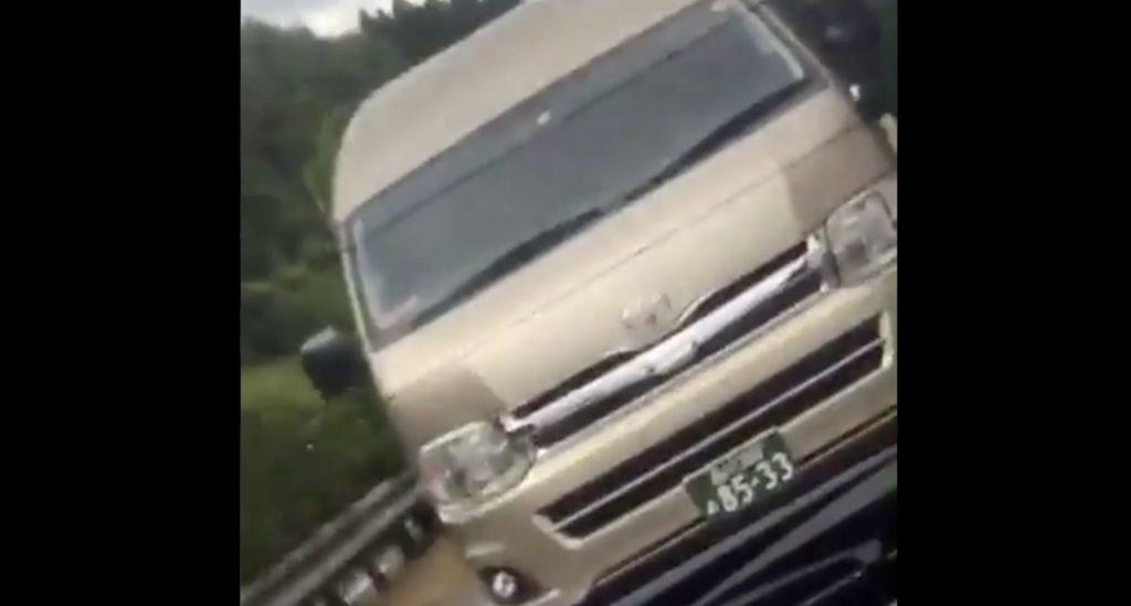 NHKの車が高速で車間詰め詰めの煽り運転をしている動画が拡散され批判殺到!