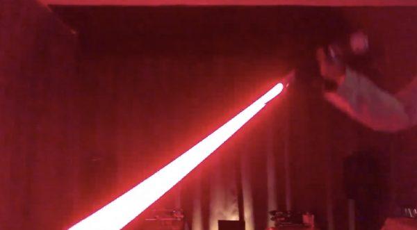 【日本】ライトセイバー作りが趣味の父親が作ったライトセイバーのクオリティが凄いと話題に!