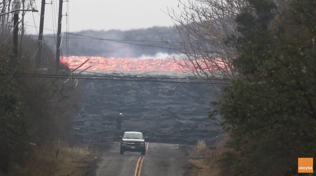 目を疑う光景。。想像を超えたキラウエア火山の溶岩流のスピードがヤバすぎる!