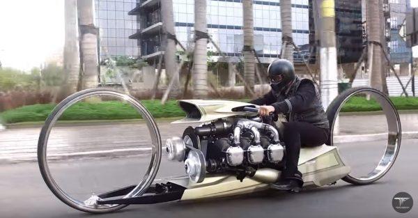 航空機用エンジンを搭載したカスタムバイクの未来感がスゴい!エンジン音が最高!