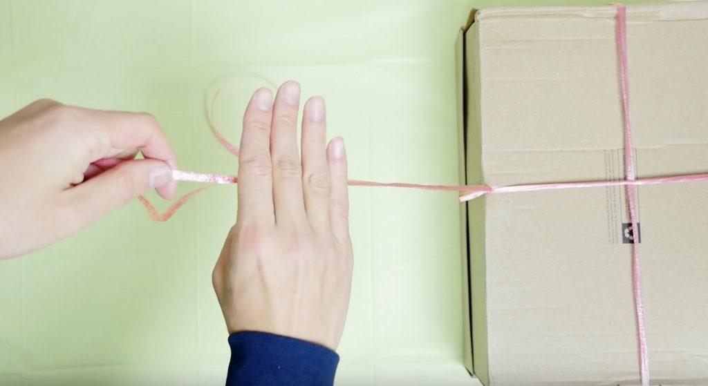 ビニールひもや麻ひもを手だけで簡単に切る方法に目からウロコ!【ライフハック】