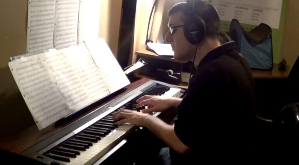 「ハウルの動く城」の名曲の超絶上手いピアノ演奏に鳥肌。。!世界中で再生されまくっているカバー動画が凄い!