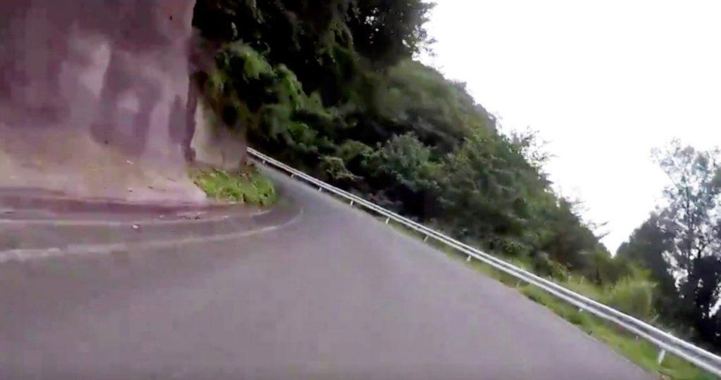 【福井】「お願いだから免許返納して」バイクで走行中、突然逆走車が現れ鳥肌!