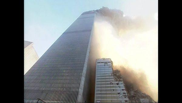 「9.11」での世界貿易センターの崩壊を間近から撮影した動画が公開。現場の壮絶さがよく分かる18分間の動画