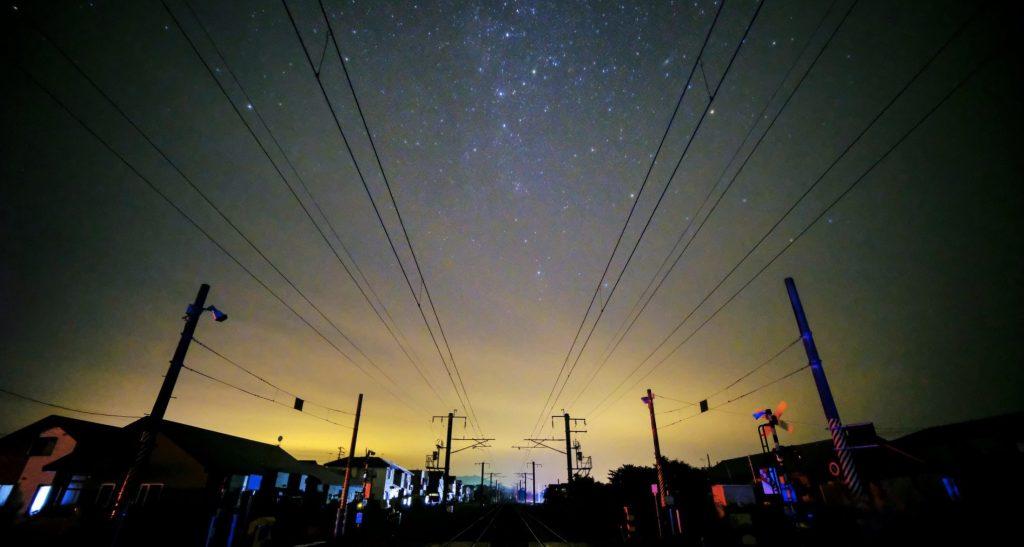 北海道の大停電で、街が暗くなり満点の星空に。「元気でた!」「泣けるぐらい綺麗」の声