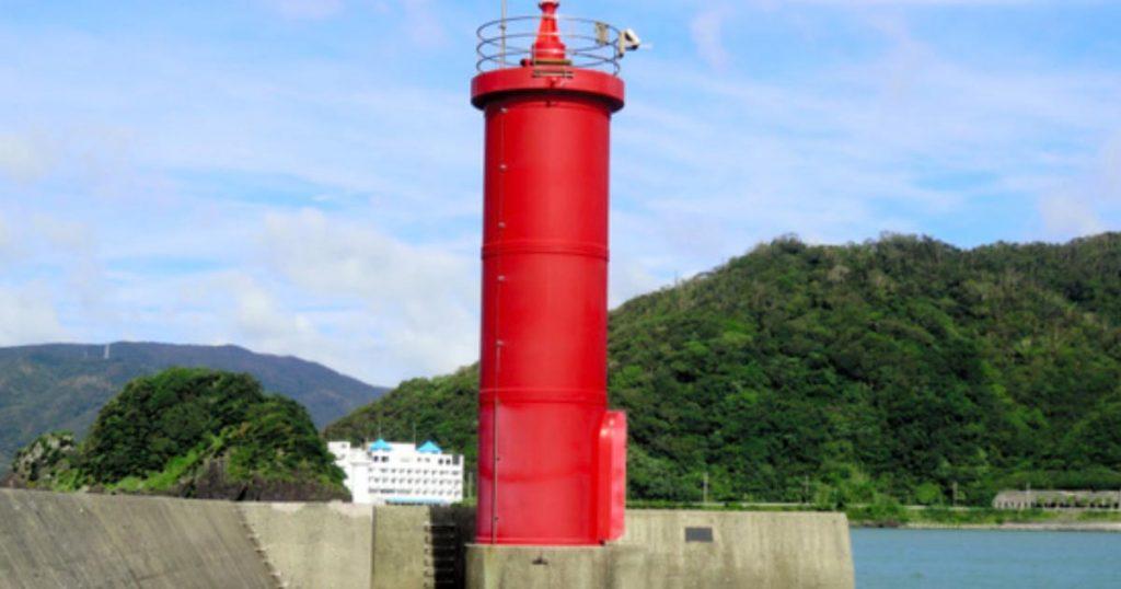 【台風24号】鹿児島県で、高さ11メートルの灯台が消失!丸ごとどこかへ消え去る