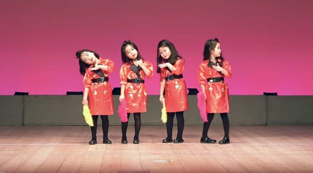 保育園の子供達が発表会でかわいい「バブリーダンス」を披露!これは癒される^^