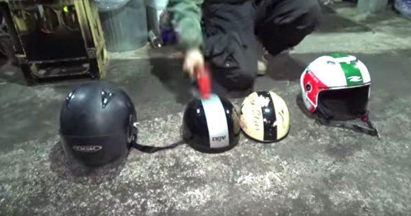 日本・イタリア・中国・台湾のヘルメットを、金属製のハンマーで思いきり叩いて比べた動画が話題に!