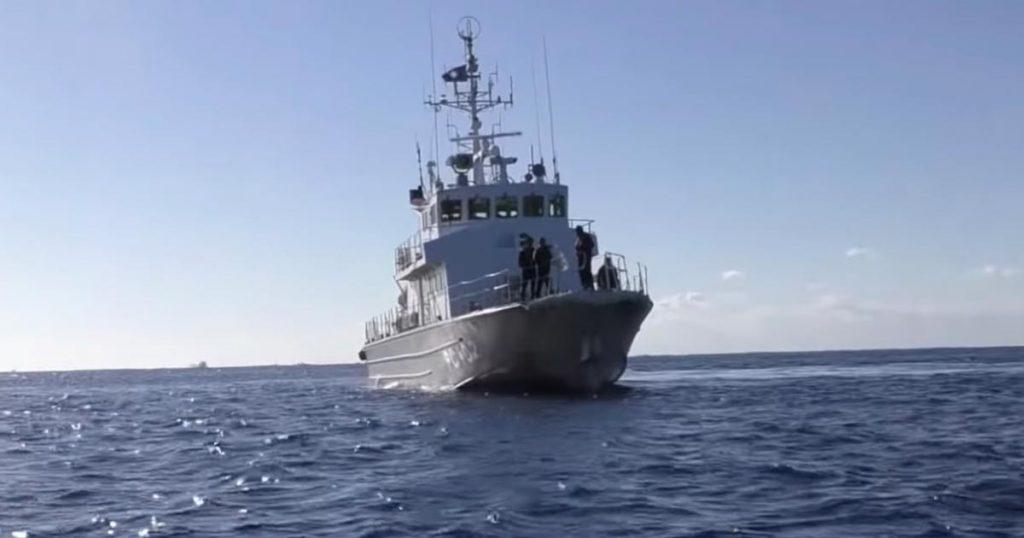 珍しい海上で職務質問された動画が話題に。海上保安庁の丁寧な対応にも賞賛の声