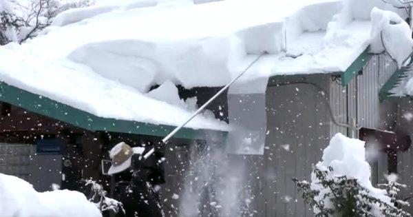 高齢者や女性もらくらく雪おろし!岐阜県の夫婦が開発した「らくらく 雪すべ〜る」が凄いと東北や北海道で話題に!