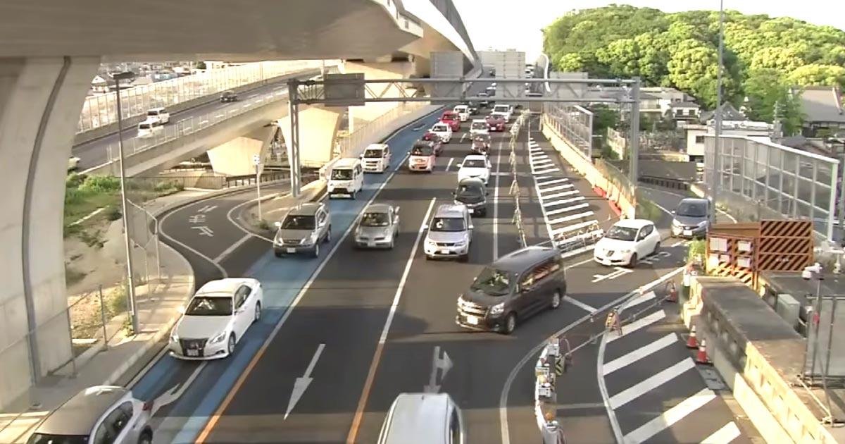 【名古屋】他の車に道を譲った男性に怒った後続の83歳の男がアオり運転の末殴って逮捕!