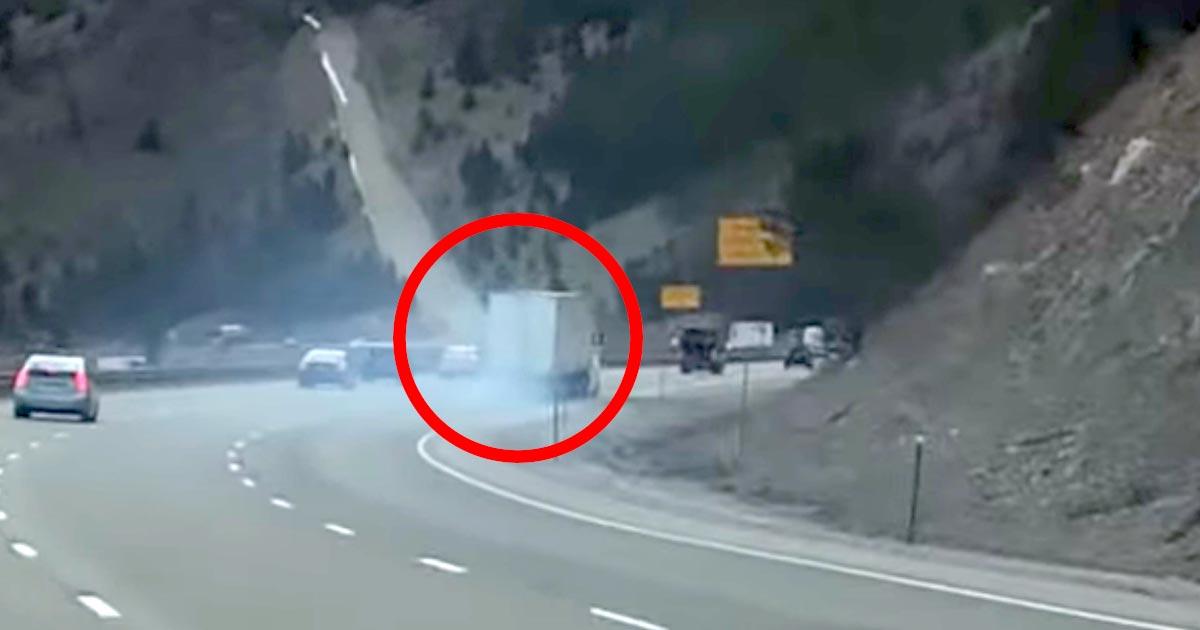 「実際の使用場面は初めて見た」高速の長い下り坂でブレーキが壊れてしまったトラックが「緊急待避所」のおかげで助かる動画が話題に!