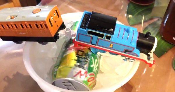 機関車トーマスが一生懸命に飲み物を急速冷却してくれる方法が「天才的!」「この発想は無かった!」と話題に!