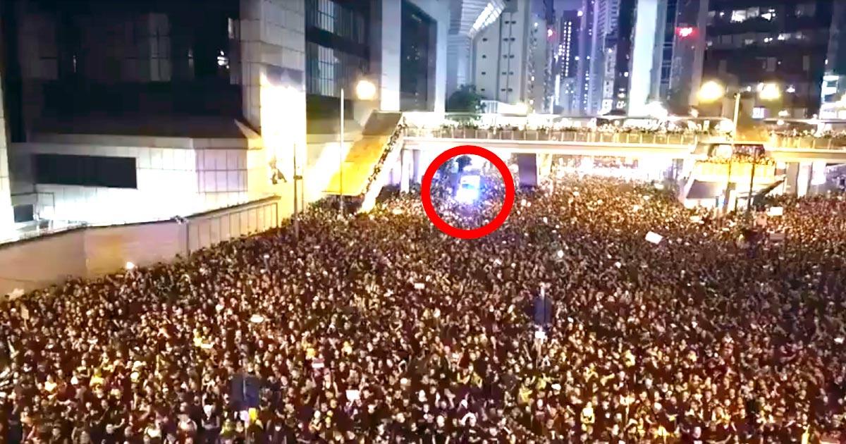 香港の200万人デモで、救急車に一斉に道を開ける人々が素晴らしいと話題に!「感動で言葉を失った」「デモと暴動の違い」
