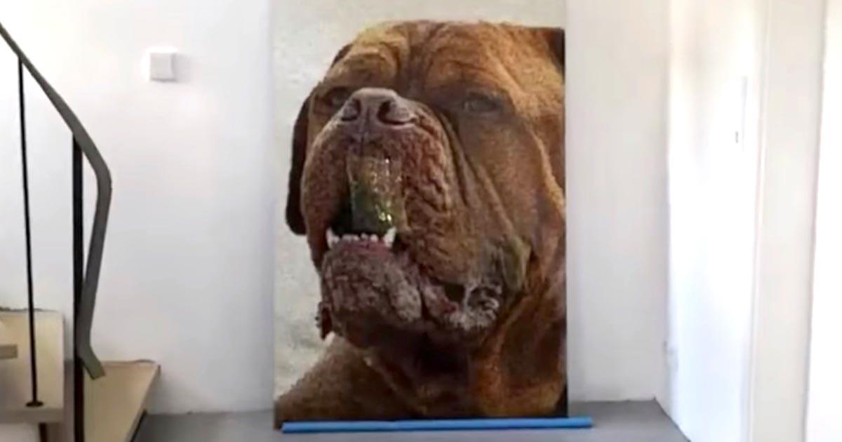 【神業】まさに愛犬への愛の結晶!一見普通の犬のイラストと思いきや、近づくと飼い主さんの愛の深さを感じずにはいられない!