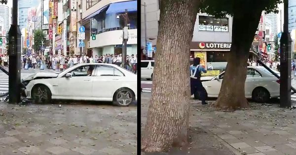 また池袋で70代の高齢者が暴走!「エンジン止めてください!」婦警に停止求められるも急加速で騒然となる緊迫の現場動画!