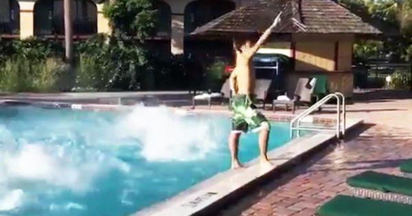 「悪の組織」の登場シーンを再現した動画が凄いと話題に!水中から幹部たちが一斉に登場!