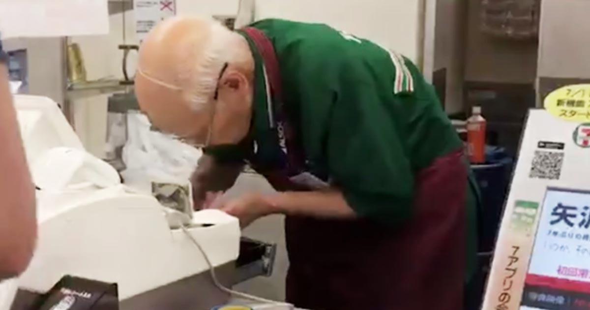 「日本では90歳でも深夜のコンビニで働く」タイ人が投稿した動画がタイで話題に!動画を見た日本人とタイ人の温度差にびっくり!