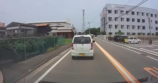 一刻も早く免許を取り上げて欲しい高齢ドライバーが目撃され物議!免許を取り上げても意味が無いとの意見も