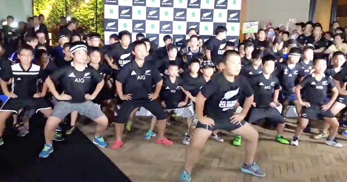 柏市の子供たちがニュージーランド代表を「ハカ」で歓迎!海外で動画が200万回以上も再生される!【ラグビー・W杯】