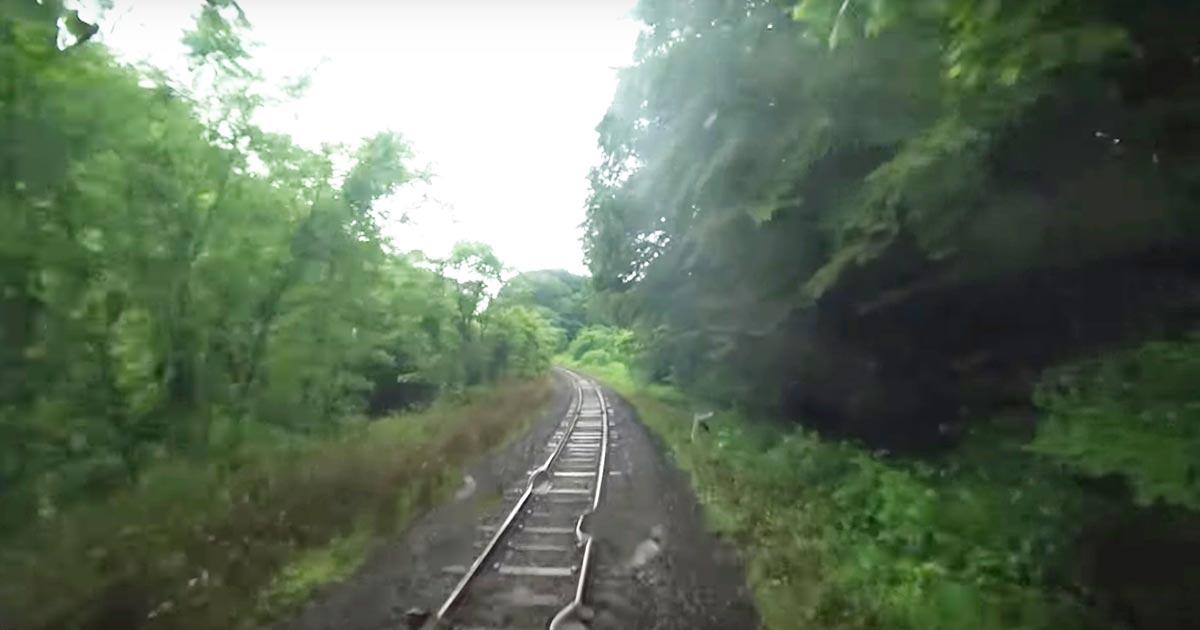 「台風は過ぎたのに何で電車動かさねぇんだよ!」という人に見てもらいたい。台風直後に電車を動かせない理由がよく分かる動画が話題に!