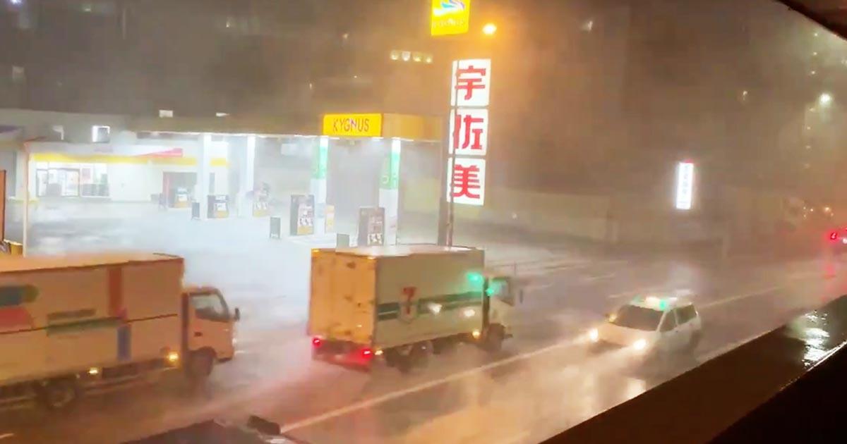 【台風15号】猛烈な暴風雨の中配送するトラックたちの姿に賞賛の声!