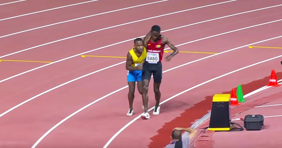 【神対応】「素晴らしいスポーツマンシップだ!」世界陸上でのギニアビサウ共和国代表の選手の行動がカッコよすぎると話題に!