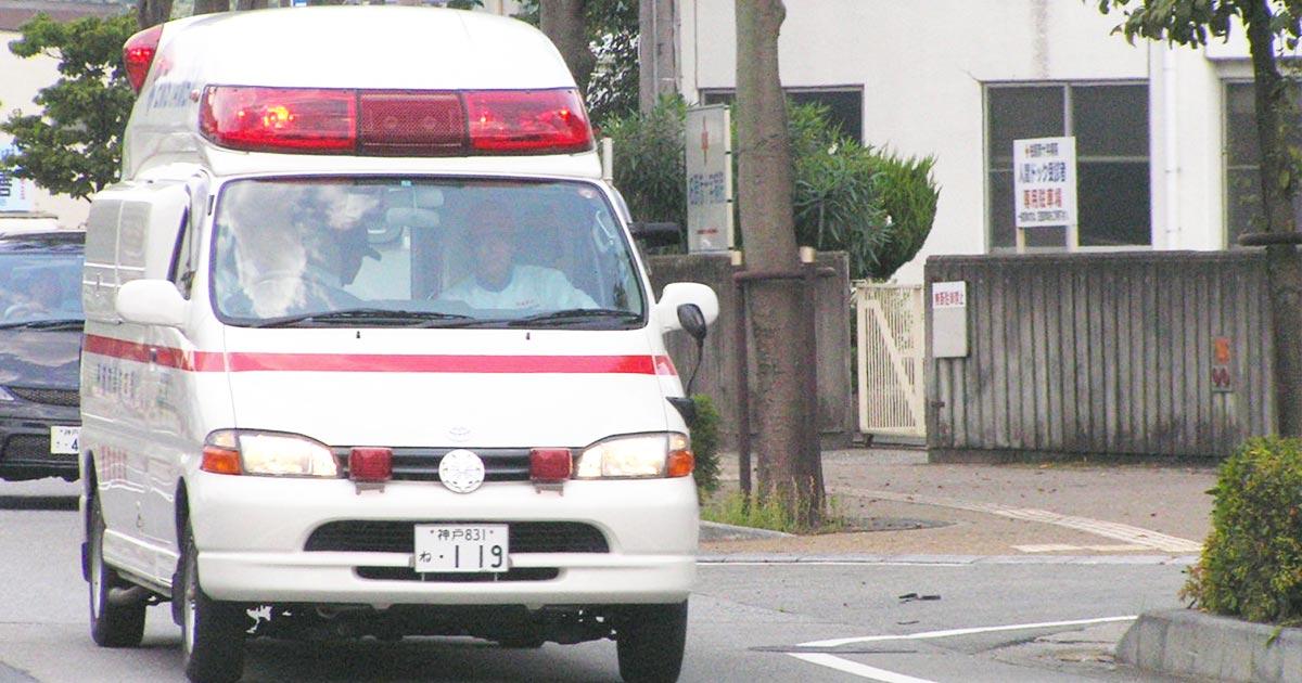 【愛知】「サイレンにストレス」緊急走行中の救急車の前に自転車で立ちはだかり、進路妨害の男が物議!