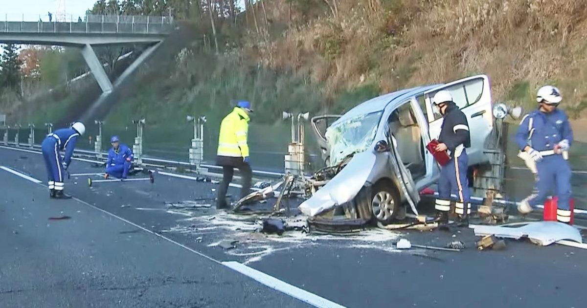 【速報】関越道で80代のドライバーが逆走!走ってきた乗用車と正面からぶつかる!