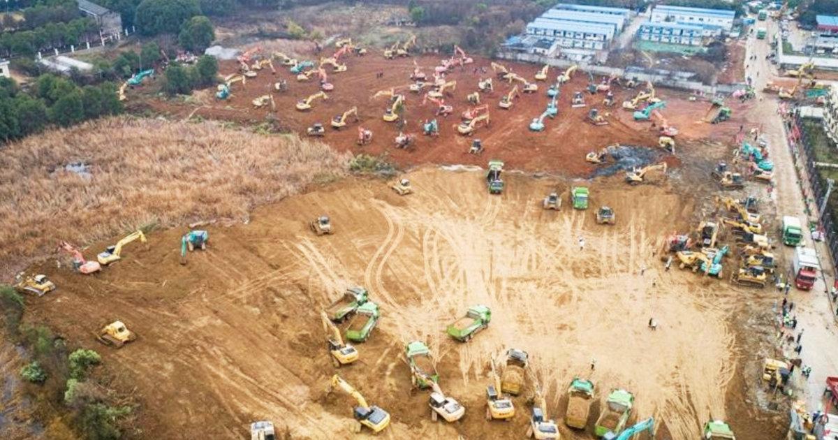 中国が1000床の病院をたった10日で新造中!一方、具体的対策を海外メディアに問われた日本は「全力で注視します!」
