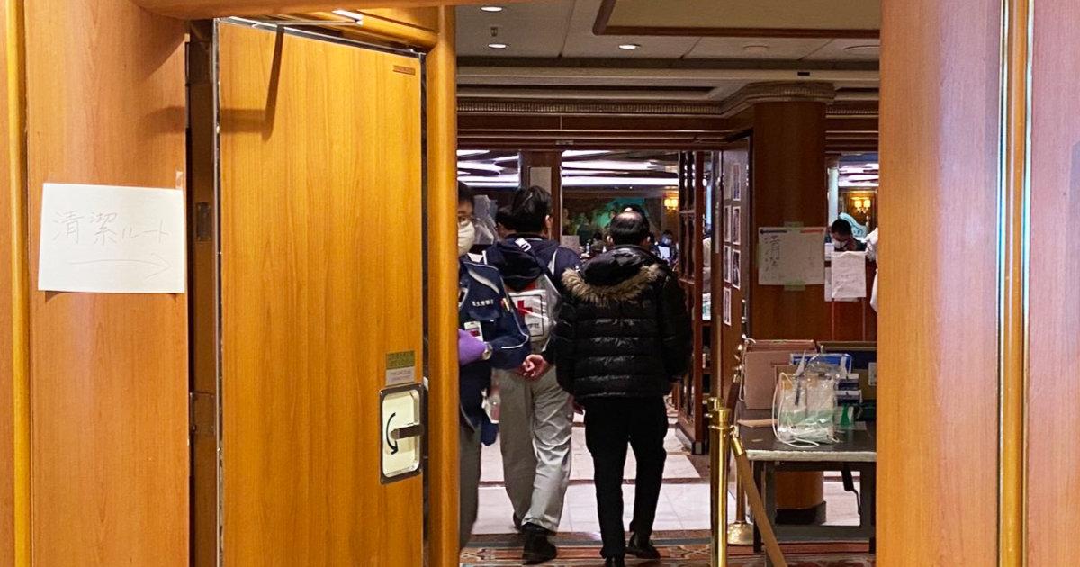 橋本厚生副大臣が「感染管理は適切に行ってきました!」と投稿した画像がヤバすぎて物議!「岩田医師の動画は正解だった」「壮大なギャグかな」の声