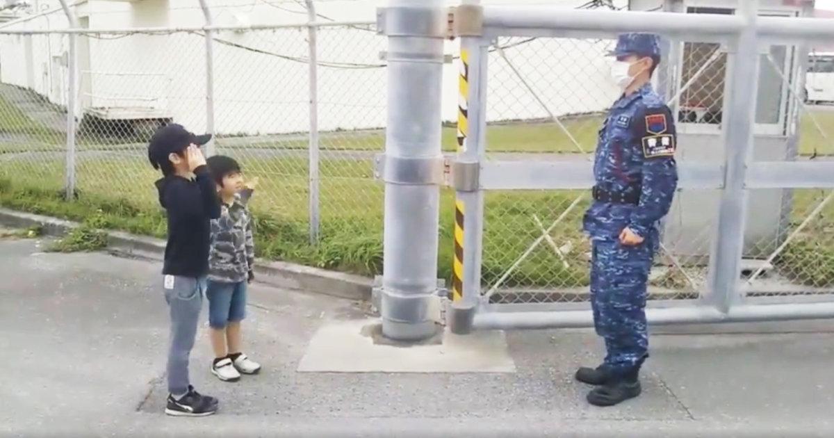 【神対応】将来は海上自衛官になりたい少年。その気持ちに本気で答える自衛官の対応が話題に!