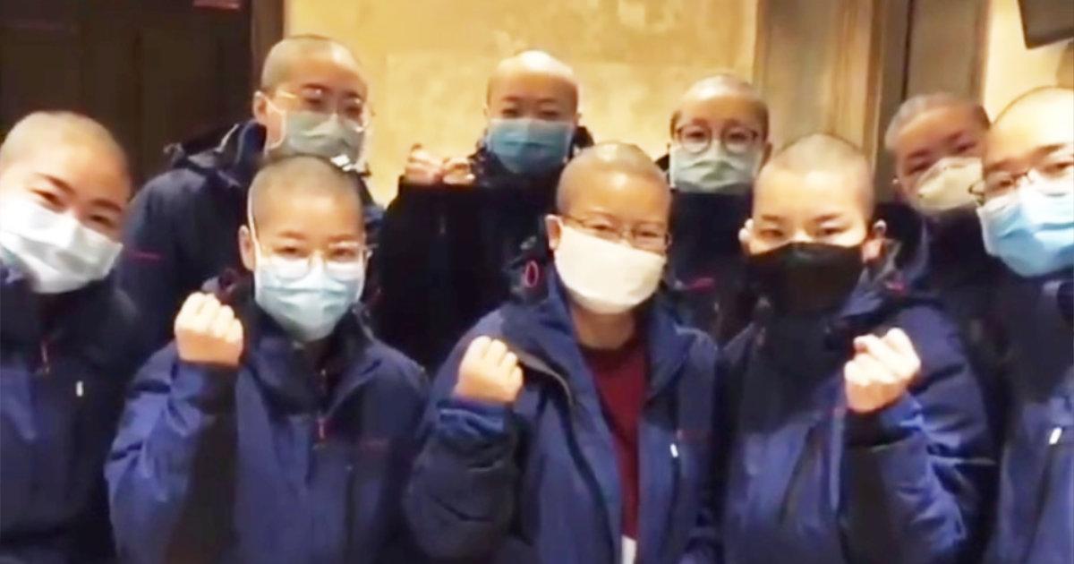 【新型コロナ】「尊敬します」感染拡大を防ぐため、丸坊主にした看護婦たちのプロ根性がスゴイ!大人用オムツまで着用し闘う姿に世界中から賞賛の声!!