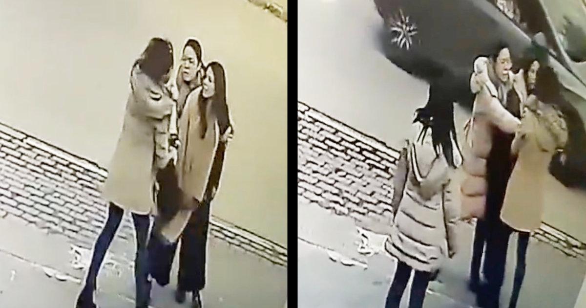 パレスチナでNGOの日本人女性2人が現地の人に「コロナ!コロナ!」と叫ばれ、髪の毛を引っ張られる動画が物議!地元からは「私たちを助けてくれる人への感謝を忘れてはならない」などの声!