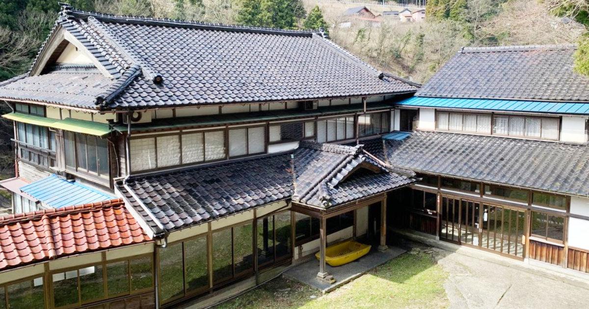 「とうの昔に廃業した旅館に、 今も渾々と湧き続ける温泉がある」富山県にある秘湯が話題に!
