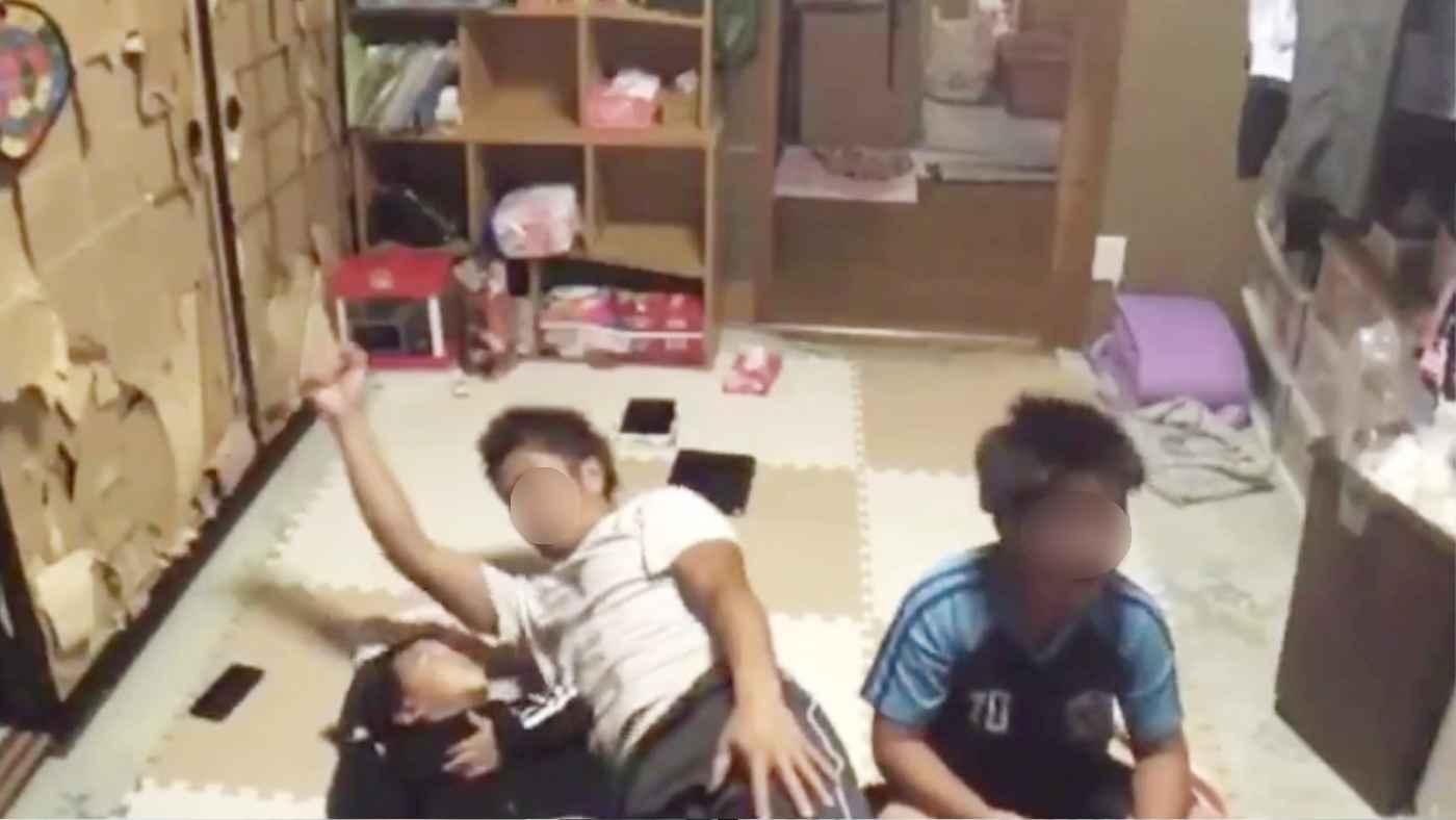 ライブ配信中と気づかず2歳児にひどすぎる行動を取った父親の動画が拡散!逮捕される!