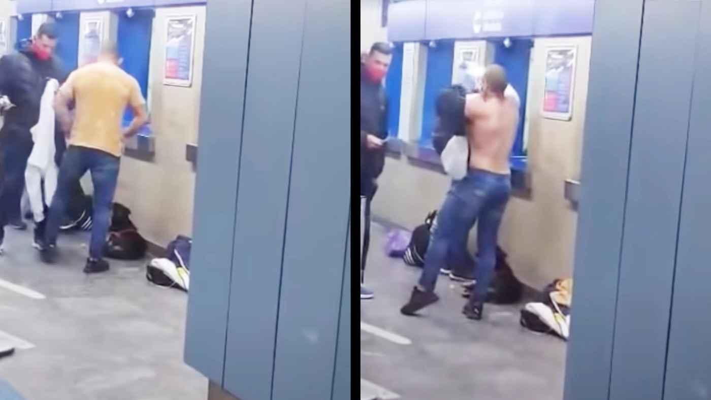 一年で最も寒い日に地下鉄で震えていた犬。一人の男性が自分の服を着せてあげる姿が話題に!