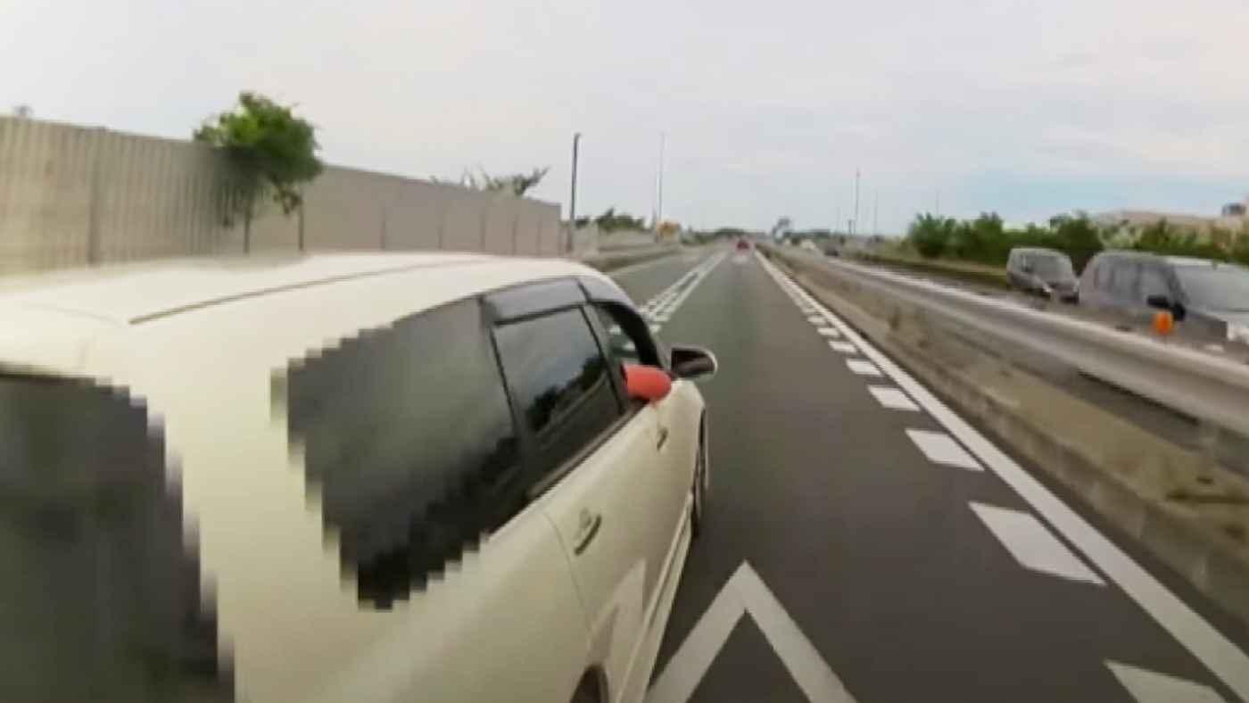 【静岡】「まだこんな人がいるの?!」クラクション鳴らしまくり、最後は車で体当たりの煽り運転の男が逮捕!
