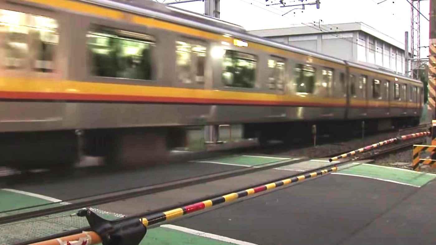 【川崎】遮断機が上がるのを待ちきれず、くぐり通った高齢男性が電車にぶつかり亡くなる