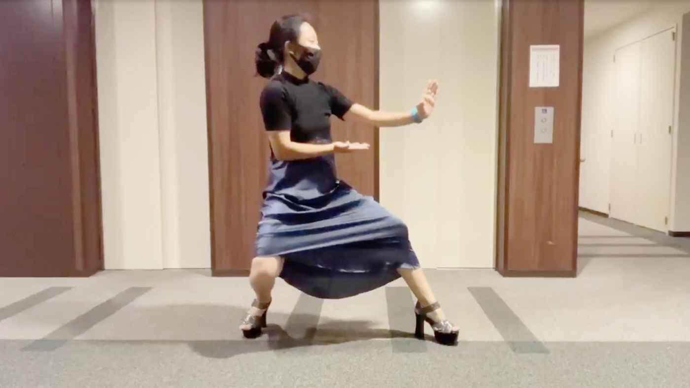 【護身術】「スカートでもヒール履いてても出来る」女の子におすすめの護身術「エビ蹴り」が話題に!