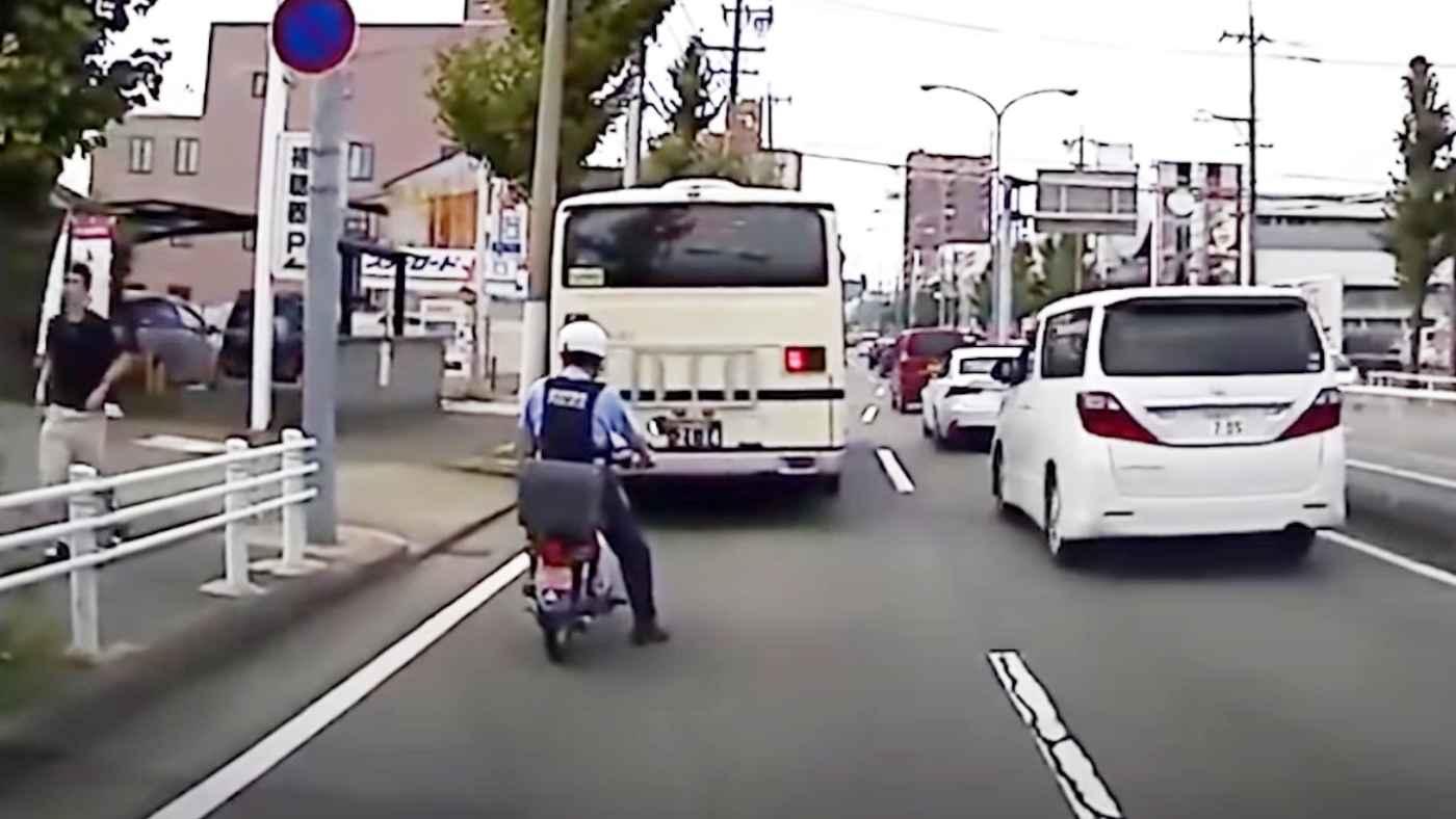 「マジかよと言いたいのはぶつけられた方」なぜこのタイミングで行けると思ったのか意味不明な女性ドライバーの運転がヤバい!