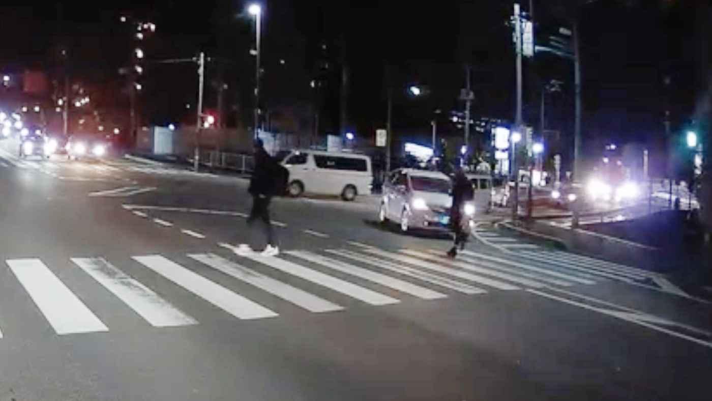 【茨城】横断歩道の歩行者が気に入らなかったドライバー、急に進路を変え歩行者を車で追いかけ回す!