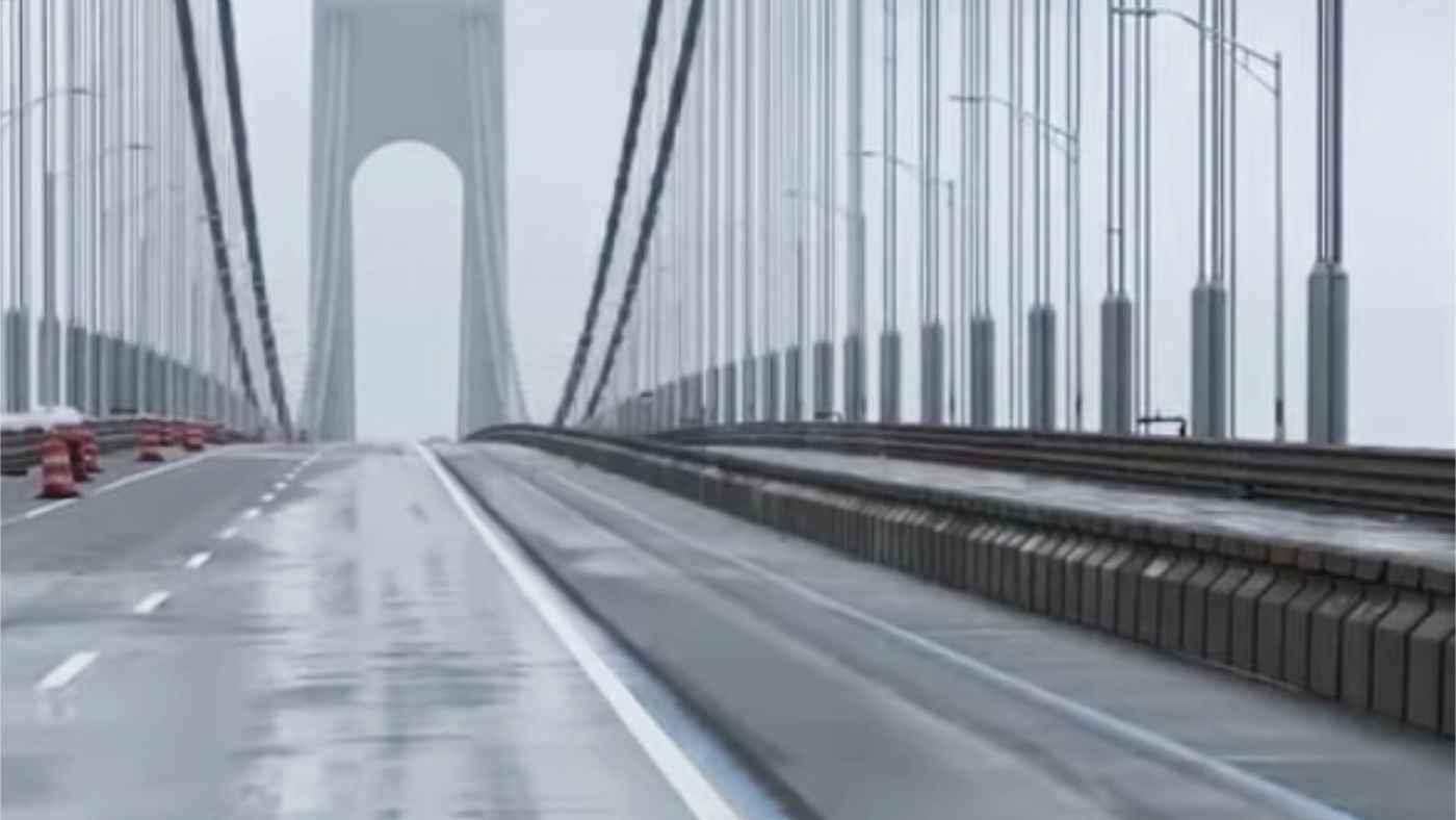 「ゴジラのようだ」軋む音がヤバい、、ニューヨークの橋が強風でグニャグニャになってしまう!