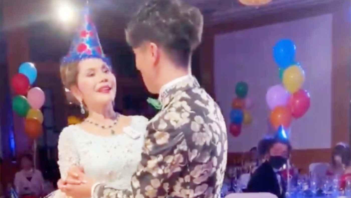 【動画あり】デヴィ夫人が90人規模の年越しパーティを主催したことが分かり物議!デヴィ夫人も強気のコメント!
