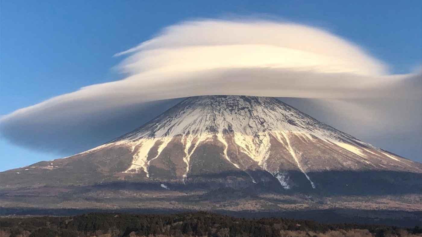 【鳥肌】「凄すぎて言葉にならない」富士山の笠雲のタイムラプス動画が凄いと話題に!