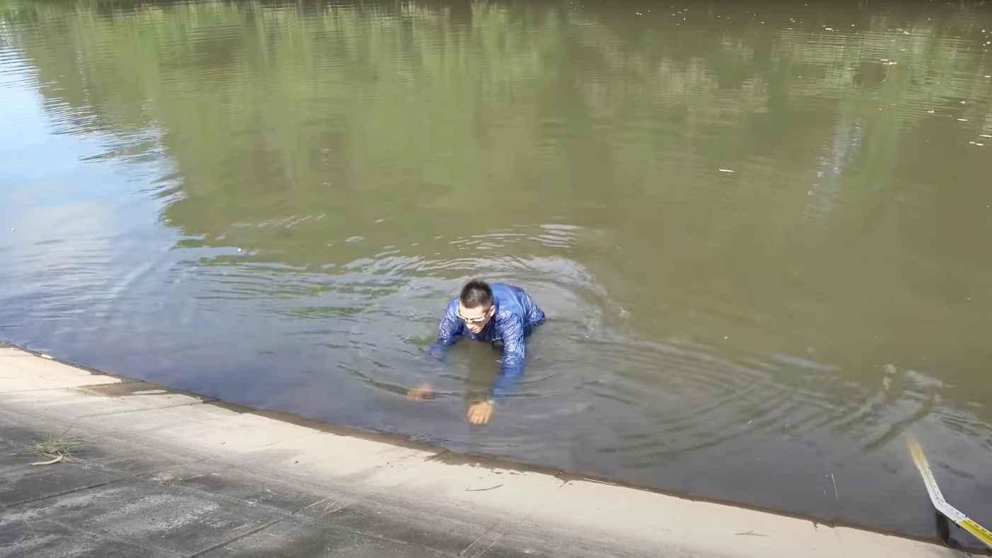 【鳥肌】ため池でなぜ命を失うのか、なだらかな斜面なのに這い上がれないことがよく分かる実験がヤバすぎると話題に!