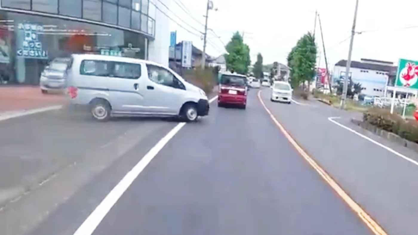 「優しさの連鎖にほっこりした」礼儀正しい日本のドライバーの行動に外国人バイカーが感動!